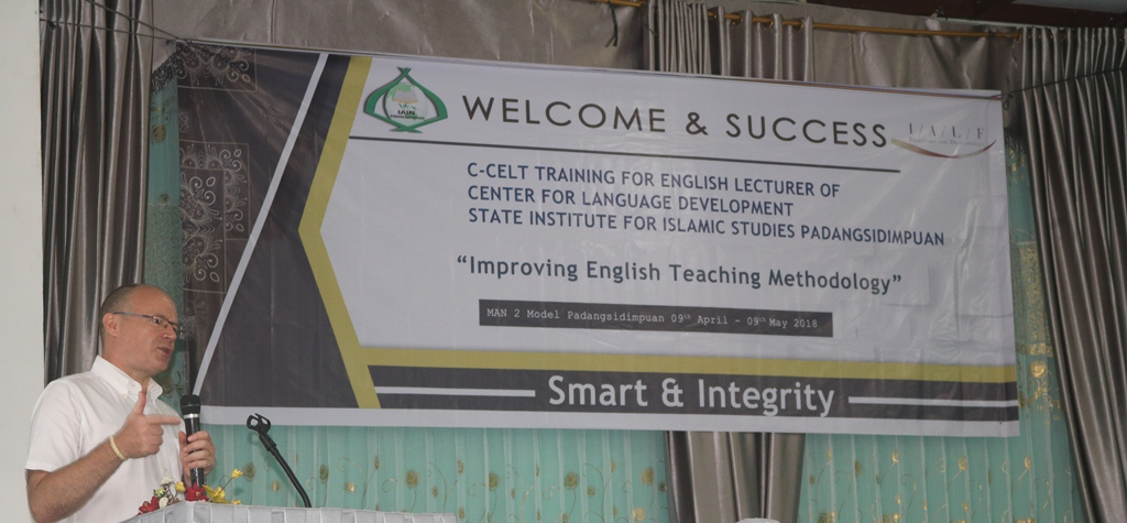 IAIN Padangsidimpuan mengadakan Training Certificate in Communicative English Language Teaching (C-CELT)