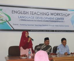P2B IAIN Padangsidimpuan Gelar English Teaching Workshop
